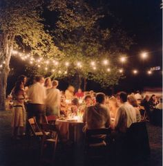 what an awesome idea for a wedding, a backyard bbq