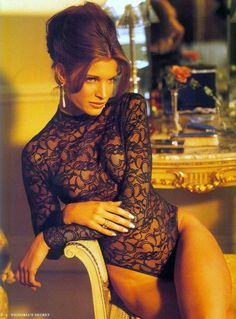 The Way the Victoria's Secret Catalog Used to Look Is Absolutely Amazing - Esquire