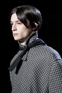 8a98d83323 Raf Simons: menswear fall/winter 2016-2017 Divatbemutató, Férfi Divat, Vogue