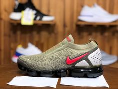 2018 Nike Air Vapormax Flyknit 2.0 Moc Mens Sport Shoes Brown Red Jade White AH7006-200 Pink Running Shoes, Running Shoes For Men, Running Women, Mens Nike Air, Nike Air Vapormax, Nike Men, Nike Clearance, Nike Shoes, Sneakers Nike