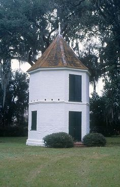 Pigeonierre (dovecote) - Parlange Plantation, False River, Louisiana.