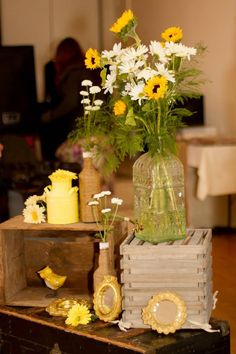Sunflowers, burlap, crates, wedding in the country, yellow and white