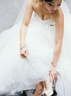 lace aplique wedding gown   Photography: Ken Tan - kentanphoto.com  Read More: www.stylemepretty... - http://www.hireevents.co.uk/lace-aplique-wedding-gown-photography-ken-tan-kentanphoto-com-read-more-www-stylemepretty/