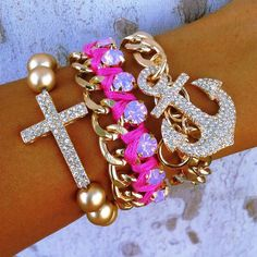 ImageFind images and videos about pink, jewelry and accessories on We Heart It - the app to get lost in what you love. Kawaii Jewelry, Cute Jewelry, Jewelry Crafts, Jewelry Accessories, Pink Jewelry, Jewelry Box, Fashion Accessories, Pink Diamond Bracelets, Fashion Jewelry