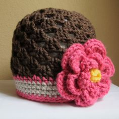CROCHET PATTERN - Flowerific - A cloche/beanie hat with flower in 6 sizes (Infant - Adult S) - Instant PDF Download