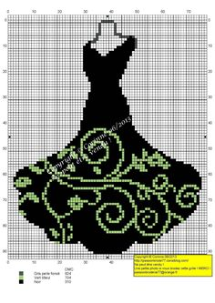 Robe noire et verte copie                                                                                                                                                      Plus