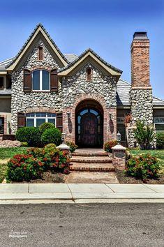St George Utah Area Homes For Sale ~ MLS# 12-137386 ~ Reduced $100K!