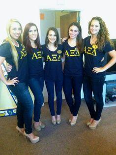 Alpha Xi Delta sisters at URI