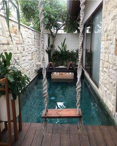Simple Small Swimming Pool Ideas for Your Minimalist Aquatic Spot - SeemHome Small Backyard Pools, Backyard Pool Designs, Swimming Pools Backyard, Backyard Patio, Villa Design, Dream Home Design, Modern House Design, Bali Style Home, Kleiner Pool Design