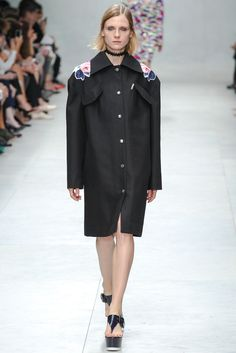 Carven Spring 2014 Ready-to-Wear Fashion Show - Maria Loks