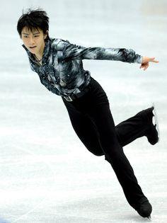〈ソチオリンピック出場までの道のり〉 SP3位の羽生結弦の演技=2012年12月7日