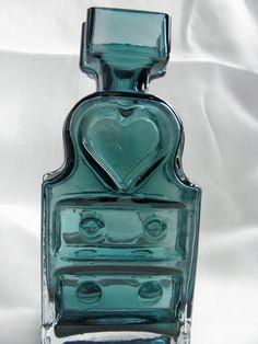 Piironki vase by Helena Tynell