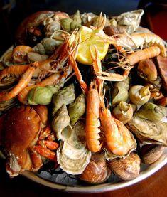 Plateau de Fruits de mer au restaurant Les Grands Bassins au Havre. Restaurant le Havre.