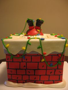Your Ultimate Guide To Christmas Cake Designs And Decorating. You are in the right place about Cake Design floral Here we offer you the most beautiful pic Christmas Cake Designs, Christmas Cake Decorations, Christmas Cupcakes, Christmas Sweets, Holiday Cakes, Christmas Cooking, Christmas Goodies, Holiday Treats, Xmas Cakes