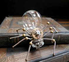 Spider Drawing, Spider Art, Wolf Spider, Steampunk Animals, Light Bulb Crafts, Christmas Spider, Goth Home Decor, Beaded Spiders, Robot Concept Art
