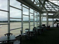 Crosswinds Cafe at RDU general aviation terminal.