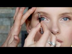 How To Get Perfect Eyebrows Simple Everyday Makeup, Everyday Makeup Routine, Full Makeup, Eye Makeup Art, Diy Makeup Palette, Simple Beauty Routine, American Skin, Brow Tutorial, Dark Skin Makeup