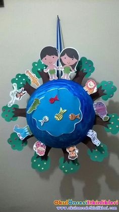 Earth Day Crafts for Kids -Easy craft ideas for kids of all ages using recycled materials like newspaper, cardboard and magazines for Earth Day. Earth Day Activities, Bible Activities, Art For Kids, Crafts For Kids, Bible Story Crafts, Earth Day Crafts, Creation Crafts, Church Crafts, Sunday School Crafts