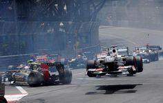 RT @chacho_lml #F1 #MomentosMemorables2012 Mónaco, Romain provoca el vuelo de Kamui..