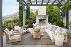 Bella Vista Patio  Santa Barbara, California  Coastal  Modern  Patio by Smith Firestone Associates