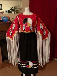 Beautiful! Native American Wedding, Native American Clothing, Native American Regalia, Native American Design, Native American Women, Native American Beadwork, Native American Fashion, Native Fashion, Teen Costumes