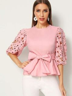 Women's Tops Blouses has never been so Awesome! Since the beginning of the year many girls were looking for our Affordable guide and it is finally got released. Now It Is Time To Take Action! Source by dichambcupa blouses classy Stylish Dresses, Fashion Dresses, Fashion Lighting, Elegant Outfit, Lace Sleeves, Blouses For Women, Women's Blouses, African Fashion, Blouse Designs