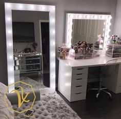 Top Beautiful Teen Room Decor For Girls - Decor Room Ideas Bedroom, Girl Bedroom Designs, Bedroom Decor, Beauty Room Decor, Makeup Room Decor, Cute Room Decor, Teen Room Decor, Vanity Room, Vanity Decor