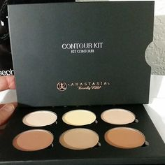 You must buy this Anastasia Beverly Hills Contour kit! Kiss Makeup, Love Makeup, Hair Makeup, Makeup Haul, Makeup Style, Perfect Makeup, All Things Beauty, Beauty Make Up, Girly Things