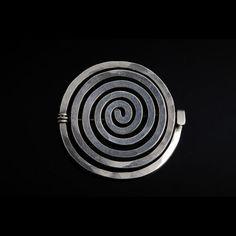 Alexander Calder, Sterling silver spiral brooch (1962)