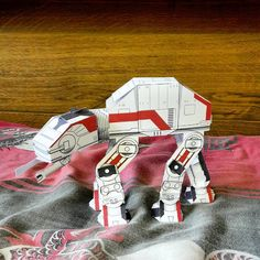 """""""Totally cute #StarWars AT-AT Imperial walker #papercraft toy """""""