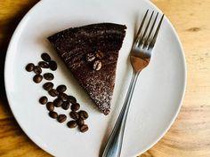 Isteni kávés csokitorta - ecoffee.hu Tableware, Dinnerware, Tablewares, Dishes, Place Settings