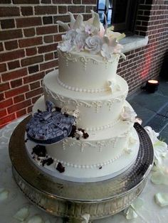 Star Wars and other awesome geeky wedding cakes