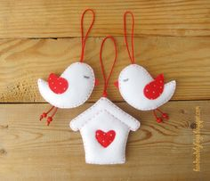 Handmade by Helga: Felt Birds with Birdhouse