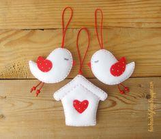 Handmade by Helga: Felt Birds with Birdhouse