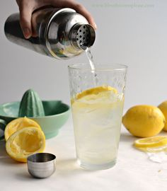 Fresh Lemonade (Lemon Shake-ups) recipe just like the kind you can buy at the fair!