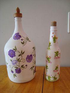 Rosa Luiza Artesanatos: Vidro ou garrafa de suco de uva ou vinho, decorados com guardanapo de papel!
