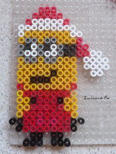 Christmas Minion hama perler beads - Les loisirs de Pat