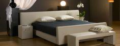 boxspring Carlton met Strada hoofdbord en bijbehorende nachtkastjes (voetbord niet nodig)