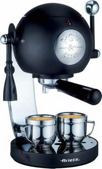 you&me - the smallest espresso machine in the world... according to the makers of this darling little machine