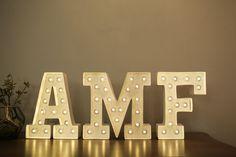 Letras com luzes | Encontro Empreendedoras e A Menina Da Foto |  Lifestyle, Empreendedorismo E Maternidade | Fotos do Encontro: Flavia Soares