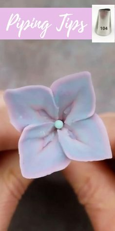 Frosting Flowers, Royal Icing Flowers, Piping Icing, Piping Tips, Cake Decorating Techniques, Cake Decorating Tips, Baking Gadgets, Baking Cupcakes, Cup Cakes