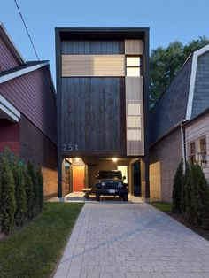 Shaft House in Canada by Reza Aliabadi (20 ft wide, 1,400 sq ft living area)