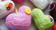 Ideas Crochet Heart Valentine English For 2019 Beau Crochet, Crochet Mignon, Crochet Diy, Crochet Motifs, Crochet Amigurumi, Love Crochet, Crochet Gifts, Beautiful Crochet, Crochet Flowers