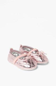 Stuart Weitzman 'Baby Puffy' Crib Shoe (Baby) | Nordstrom