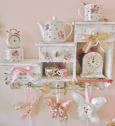 Shabby Chic Home Farmhouse Style shabby chic chambre fille. Shabby Chic Chairs, Shabby Chic Kitchen Decor, Shabby Chic Mirror, Shabby Chic Pillows, Shabby Chic Fabric, Shabby Chic Curtains, Shabby Chic Living Room, Chic Bedding, Luxury Bedding