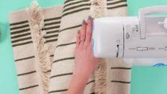 Tuto : transformez l'un de vos petits tapis en sac à main !