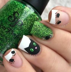 Top 32 Chic Black Cat Manicure Nails To Try Pretty And Modern Black Cat Nail Art Designs Ideas Cat appearance lovely and cute. sometimes folks like to have cats as their pets, i personally own a stunning cat and she or he is de facto keen on Cat Nail Art, Animal Nail Art, Cat Eye Nails, Cat Nail Designs, Halloween Nail Designs, Halloween Nail Art, Creepy Halloween, Nails Design, Love Nails