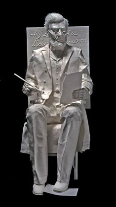 Skulptoryi-Allen-and-Patty-Eckman.-Bumazhnaya-skulptura-desyataya
