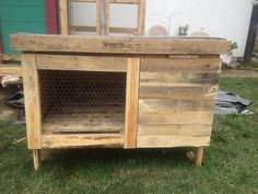 Rabbit Hutch Built From Pallets | This rabbit hutch was buil… | Flickr