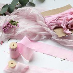 Morning! Can't wait to show you all the new stuff I've been preparing! Styling kits are just about to come! What do you think of this blushy-pinky one? 💕 / ¡Buenos días! Qué ganas tengo de enseñaros todo lo que estoy preparando! Los kits de estilismo están casi listos, ¿que os parece este en tonos rosados y blush? 💕